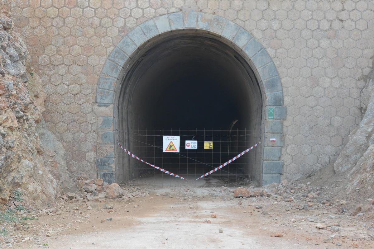 Broken tunnel