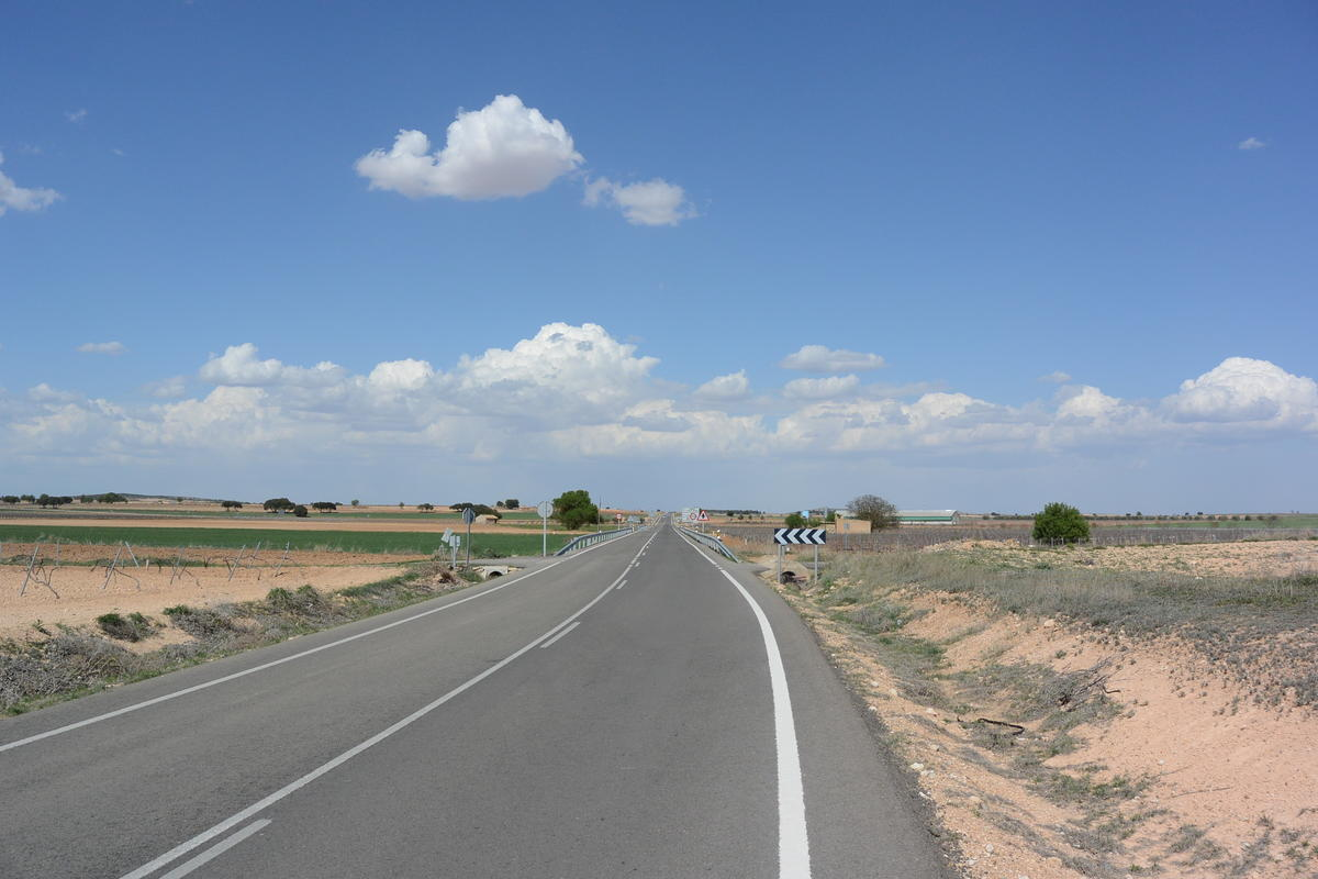 Road to Casas Ibanez